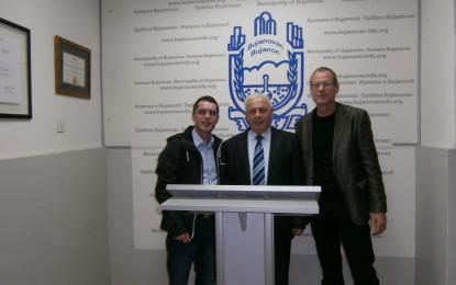 Baumgartner , njihet me pjesën  tjetër të zemrës së shqiptarëve në Bujanoc (video+foto)