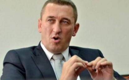 Ministri kosovar e përshendet qendrimin e Nikoliqit