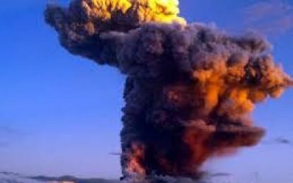 Pamjet mahnitëse nga shpërthimi i një vullkani