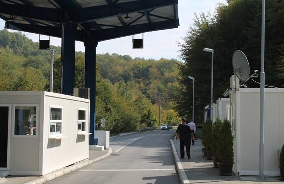 Tenton të shmang pagesën doganore shqiptari nga Serbia