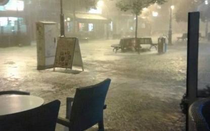 Shiu i rrëmbyeshëm dhe përmbytjet edhe në Shkup (Foto)
