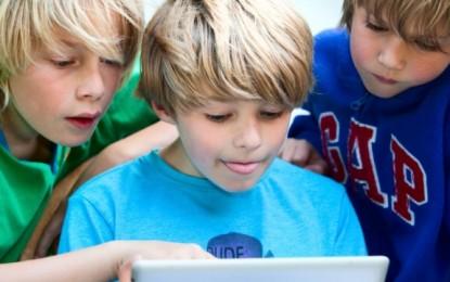 Prindërit të pavëmendshëm, fëmijët klikojnë pornografi në internet