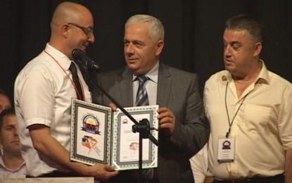 Kryetari i Bujanocit Nagip Arifi nga paga e tij  ka ndarë 2000 euro për aksionin e 100 shtëpive