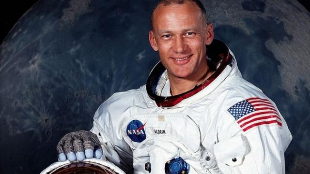 Jashtëtokësorët ekzistojnë, UFO-t janë parë gjatë misionit Apollo 11 në Hënë