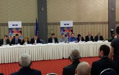 Pajaziti në Shkup  nënshkruan projektin e fituar  nga Këshilli i Europës në vlerë prej 18.000 euro(foto)