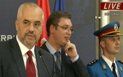 Ja si reagon Vuçiq kur Rama përmend pavarësinë e Kosovës (Video)
