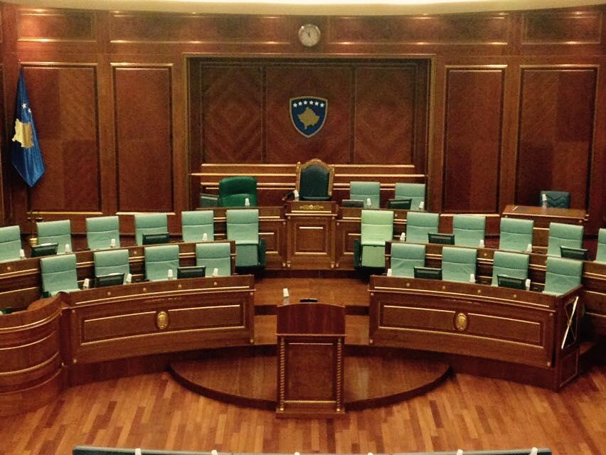 Shtohen edhe dy karrige në Parlament, për dy Ministra të rinj (FOTO)