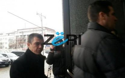 Dorëzohen Mustafa e Thaçi, pranojnë kushtet e serbëve