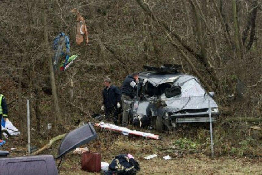 Një kosovare humb jetën, katër fëmijë lëndohen në aksident trafiku në Serbi