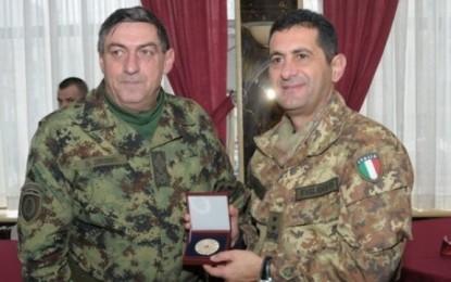 Vlerësohet bashkëpunimi i KFOR-it me FAS-in e Serbisë
