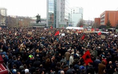 Ultimatum 48 orësh për shkarkimin e Jabllanoviçit dhe ligjin për Trepçën