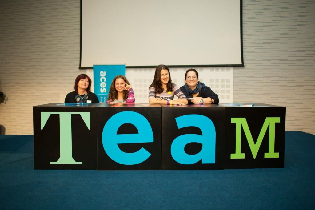 Učenici i nastavnici u jednom timu_aces