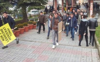 Studentët gati për protestë