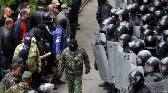 Në Ukrainën lindore rikthehet ora policore