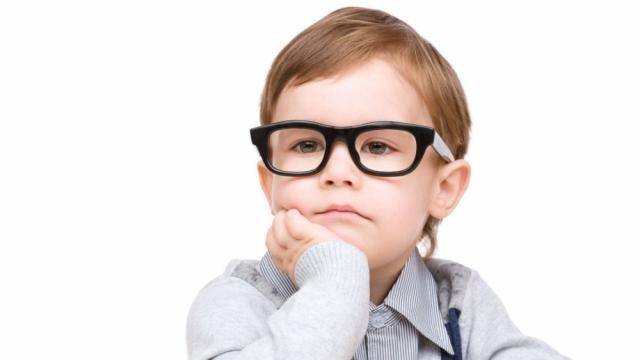 Mungesa e luajtjes jashtë lidhet me shkurtpamësinë e fëmijëve