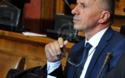 Kamberi në Parlament: Kur do t'a ktheni lapidarin e UÇPMB-së  në Preshevë