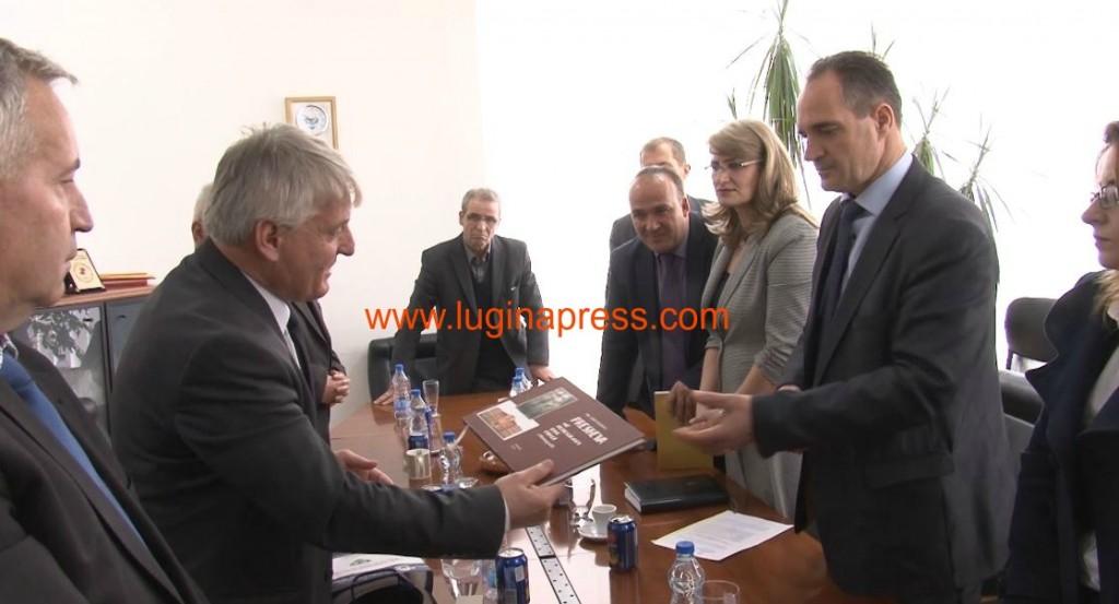 Nait Hasani cmimi stema e komunes dhe monografia