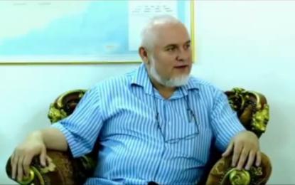 Pranon Islamin dhe me vete i merr edhe 1000 të tjerë (VIDEO)