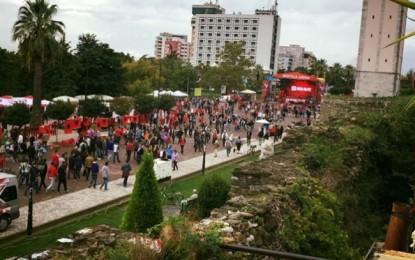 """Tifozët kuqezi """"pushtojnë"""" Elbasanin"""