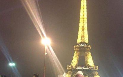Arrin tifozi i parë me plis në Paris (Foto)