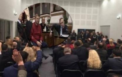 Improvizimi i Kuvendit, si ai i vitit 2008 në Shqipëri (Foto)