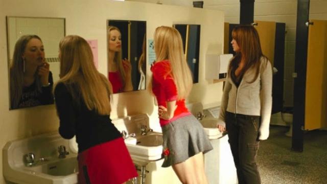 Ja përse vajzat shkojnë bashkë në tualet