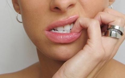 Ndaloni së ngrëni thonjtë, duke shfrytëzuar këto teknika