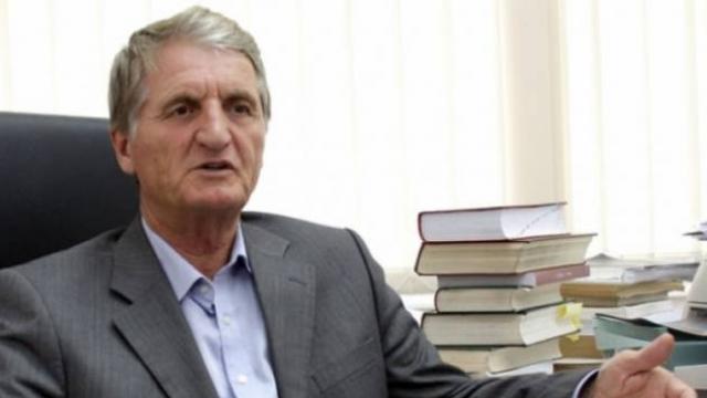 Ndërroi jetë profesor Isa Bajçinca