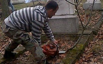 Banorët e Maltërnocit vullnetarisht  nisin punën për pastrimin e varrezave