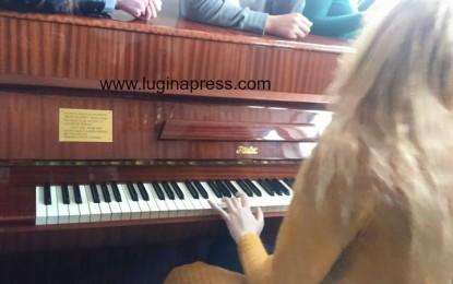 """Piano e familjes Surroi arrinë në shkollën e mesme """" Sezai Surroi"""" në Bujanoc"""