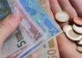 Eurozona në deflacion të lehtë nga rënia e çmimeve