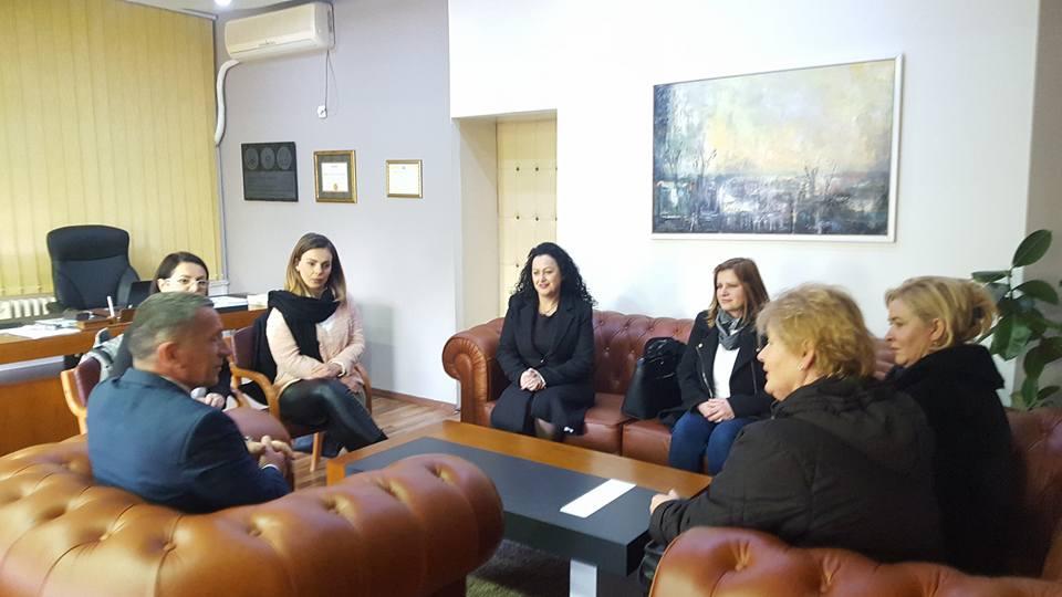 Kamberi priti kryesuesen e Kuvendit Komunal të Gjilanit Valentina Bunjaku Rexhepi