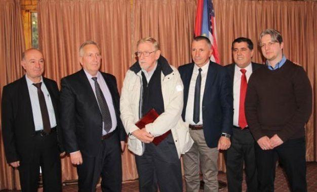 Walker takon   përfaqësuesit shqiptarë të Luginës së Preshevës