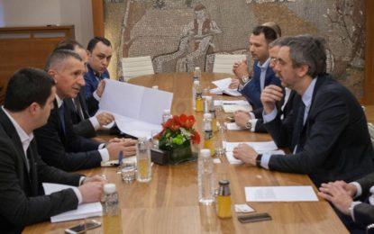 Kamberi takoi kryetarin e Odës ekonomike, Marko Çadezh, në Beograd