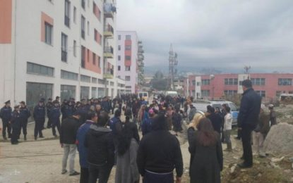 Të shtëna me armë në Tiranë, edhe ushtria ndihmon Policinë