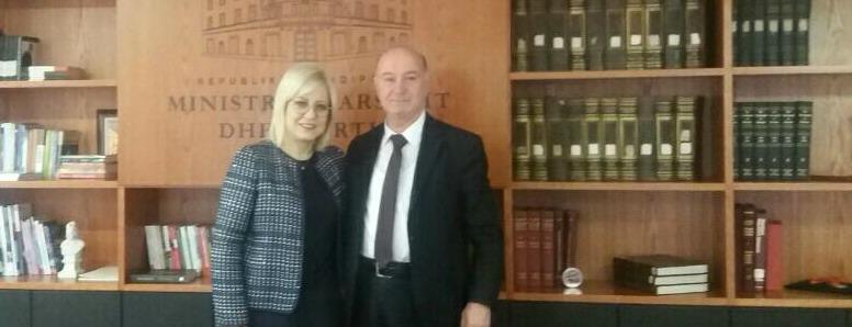 """Deputeti Hasani takon ministren Lindita Nikolla: """"Studimet master pa pagesë për studentët e Luginës së Preshevës?!"""""""