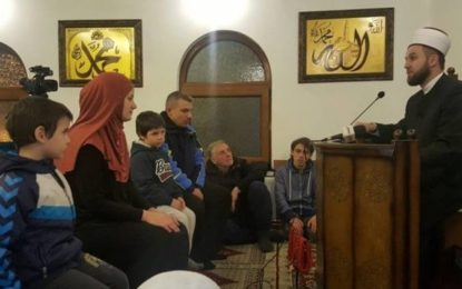 Familja ortodokse serbe nga Beogradi pranon  fenë Islame