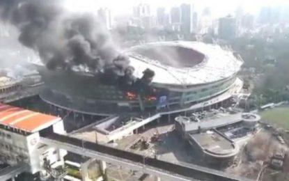 Digjet stadiumi i klubit të njohur të futbollit (Video)
