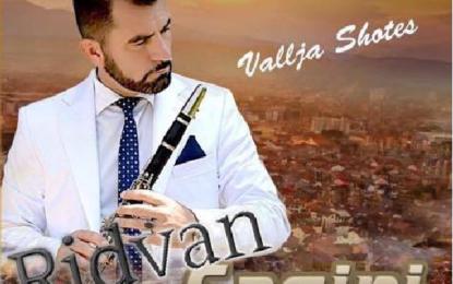 """Këngëtari Ridvan Saqipi vjen me albumin e ri """" Vallja Shotës  """""""
