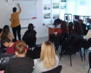 """""""Dituria"""" në Bujanoc organizon kurse në lëndë të caktuara"""