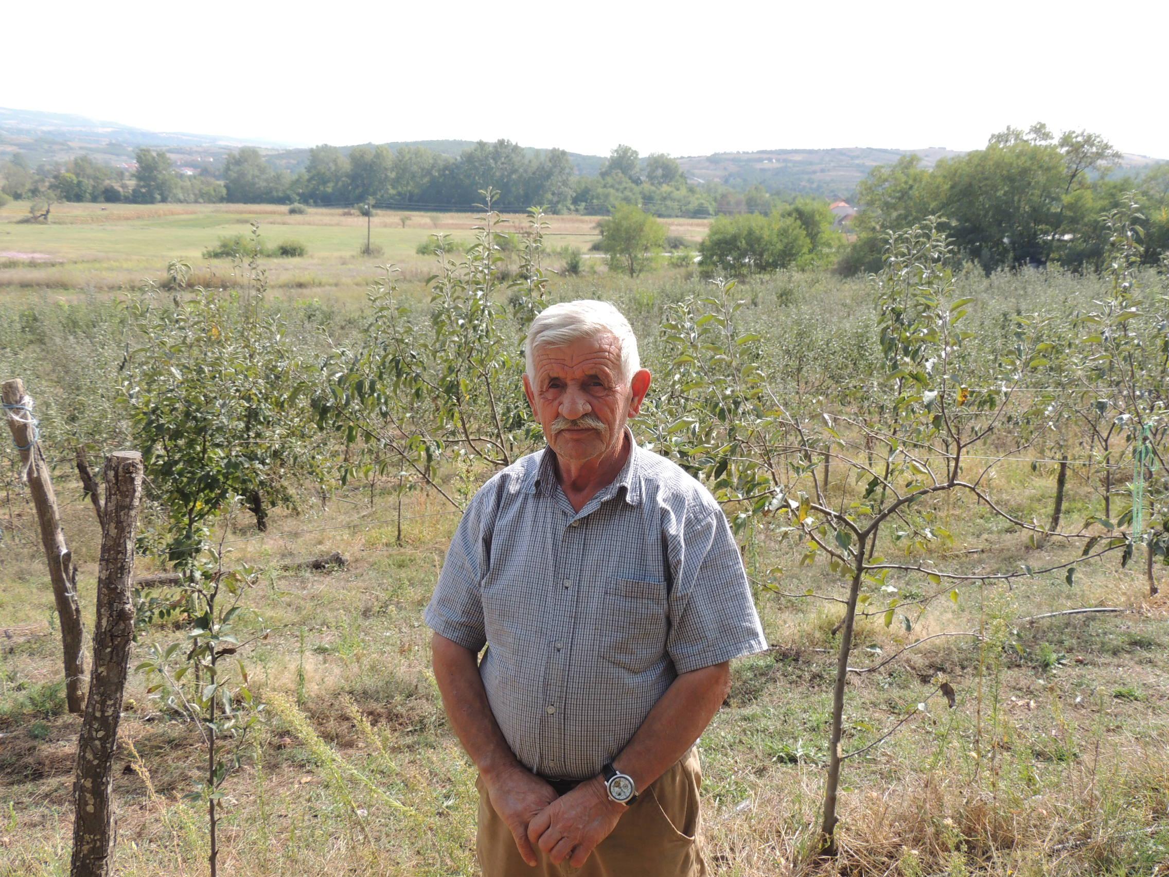 Shefket Ibishi nga Turia e Bujanocit  kultivues i mirë e mollës