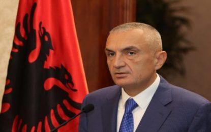 Edhe pak orë, deri te Nëntori i Flamurit, Presidenti Ilir Meta në Medvegjë