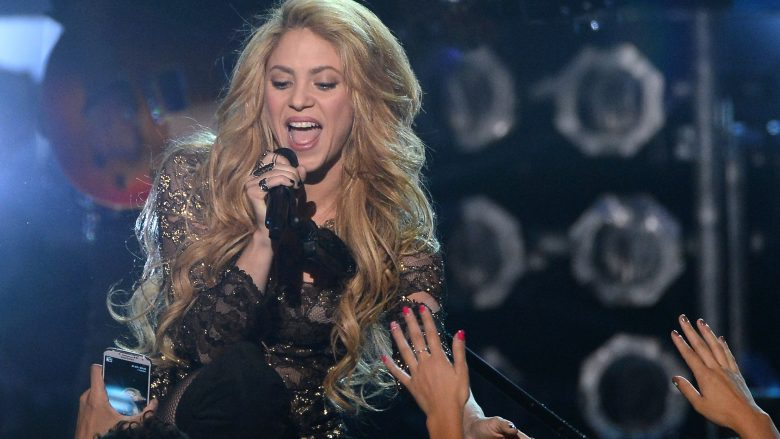 Shakira është këngëtarja më e ndjekur në YouTube për vitin e kaluar (Video)