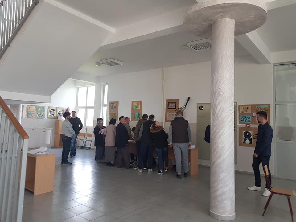 Në Tërnoc po votohet për kryesinë e re të Bashkësisë Lokale(Foto & Video)