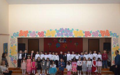 """Enti parashkollorë""""Gëzimi Ynë"""" në Tërnoc organizoi  program për 8 marsin(video)"""