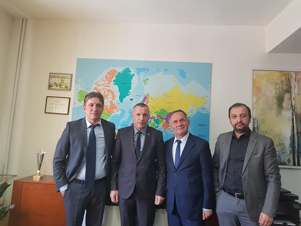 Kamberi ka pritur në takim profesorët  e UEJL në Tetovë