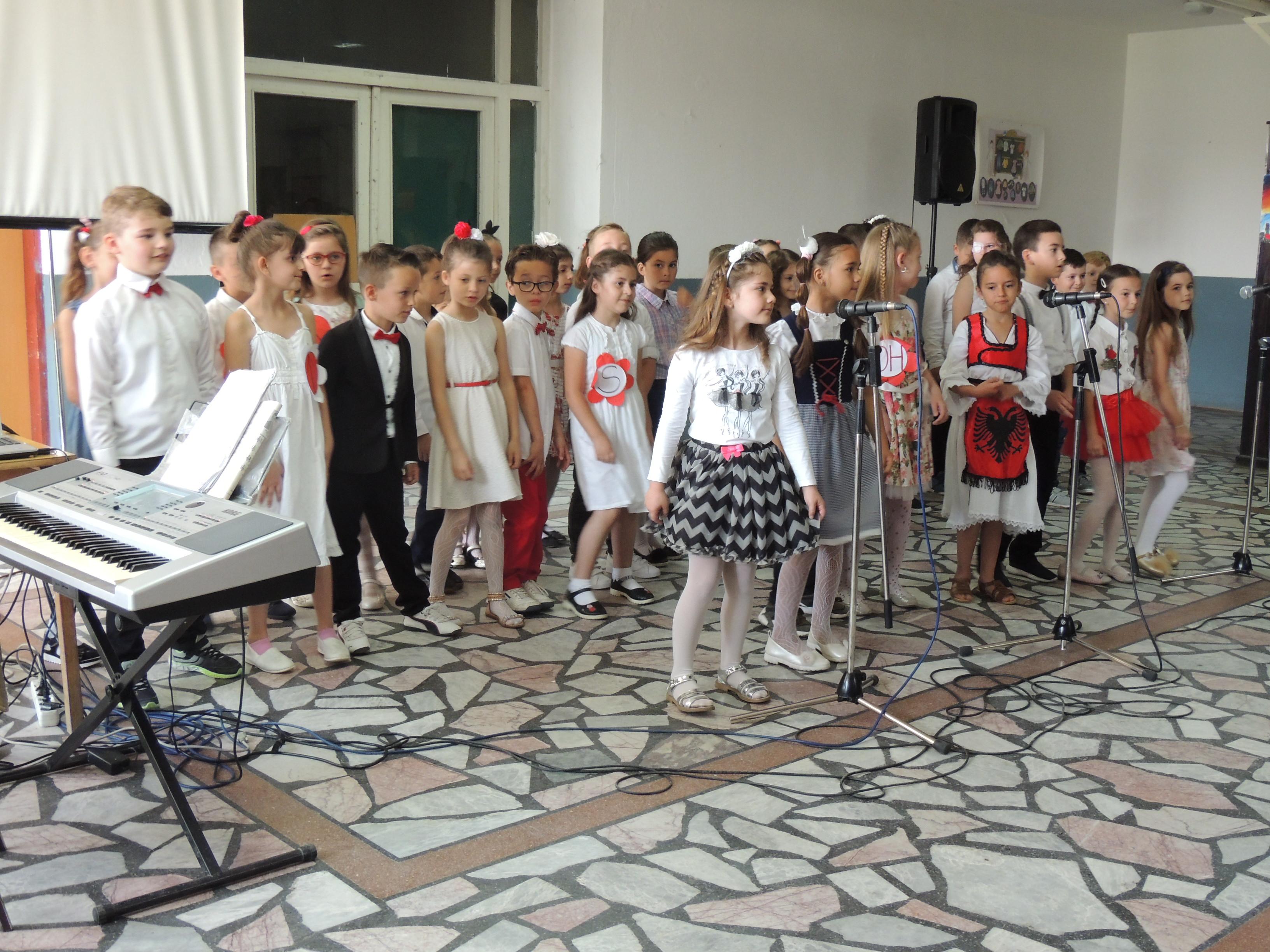"""Shkolla """"Naim Frashëri """" në Bujanoc shënoi përvjetorin e themelimit (Foto)"""