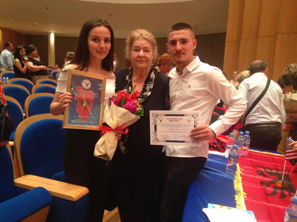 Blinera Fetahu  dhe Memet Neziri fitues në festivalin e Tiranës