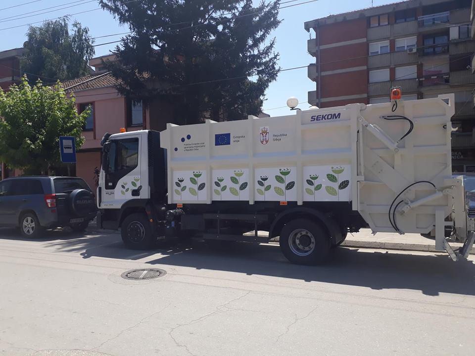Komunalia në Bujanoc përfiton një kamion për mbedhjen e mbeturinave