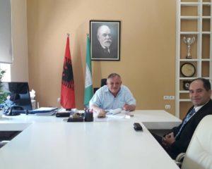 Kryetari Ymeri takon drejtuesin e Universiteti të Mjekësisë në Tiranë